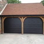 Vartai garažams pakeliami